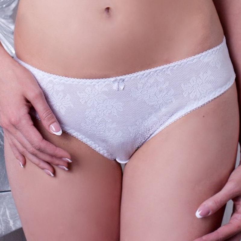 расходы молодых белые трусы у женщин дома них один